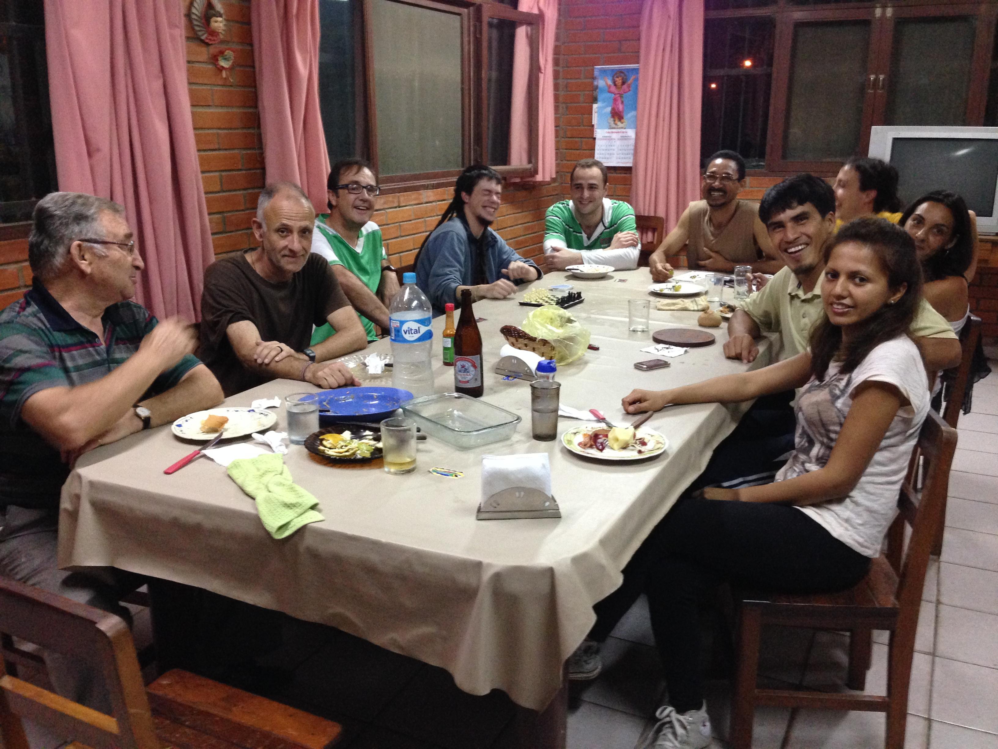 De izquierda a derecha. El Padre Germán, Javier, Enrique, Guillén, yo, Caonabo, Celia, María, Chapa y Wilma