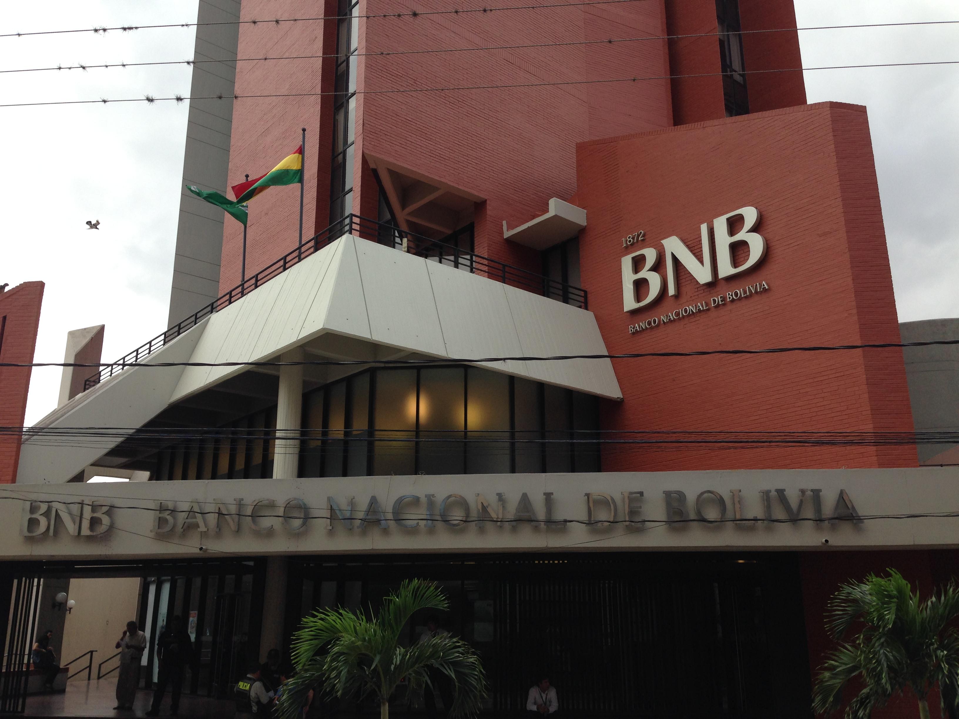 Banco Nacional de Bolivia. Aquí me reuní con Paola Cors (Subgerente de Recursos Humanos)