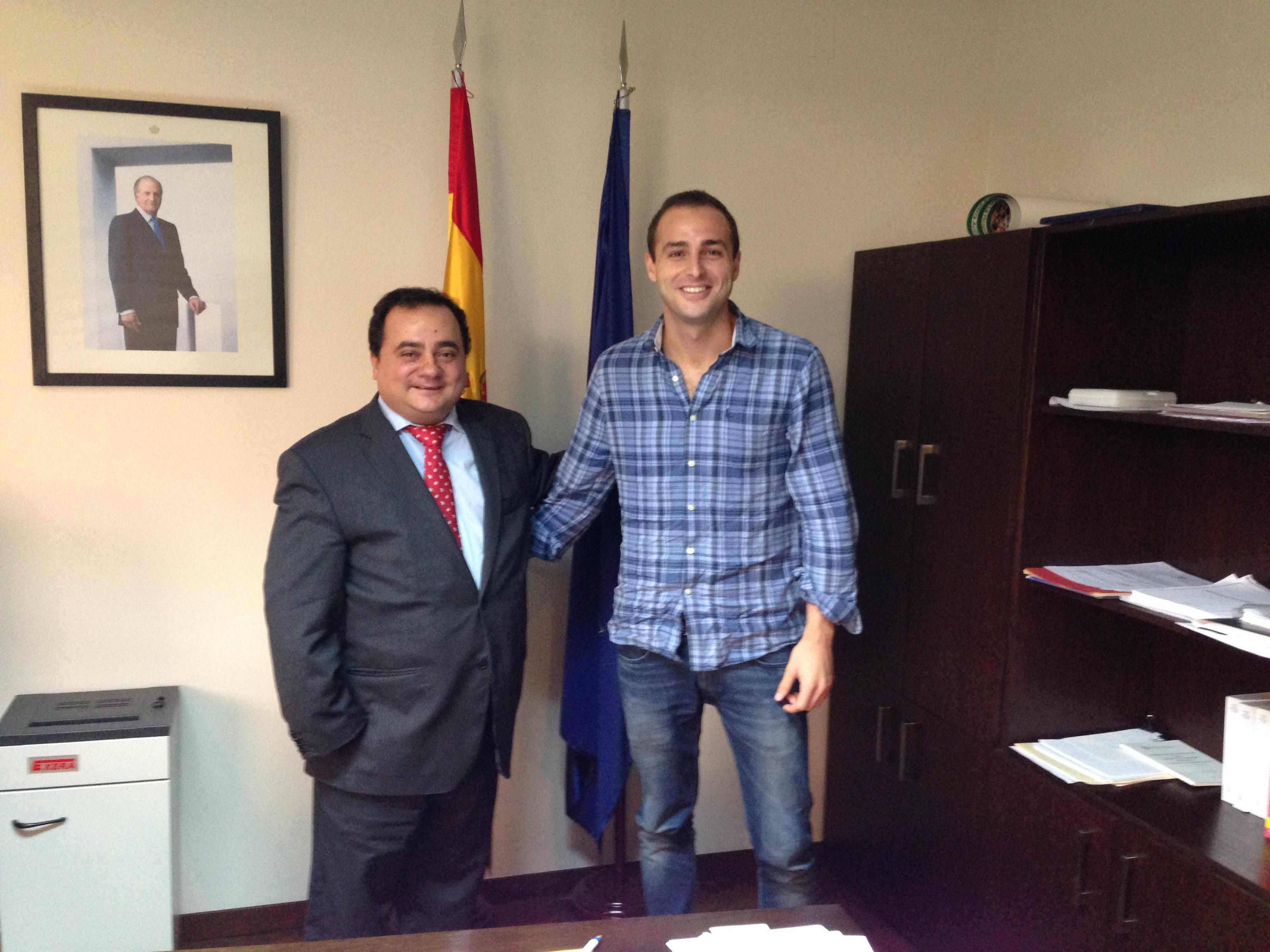 Con Ignacio Sánchez Taboada (Cónsul General de España en Santa Cruz de la Sierra). Previamente sus destinos fueron Jamaica y Angola