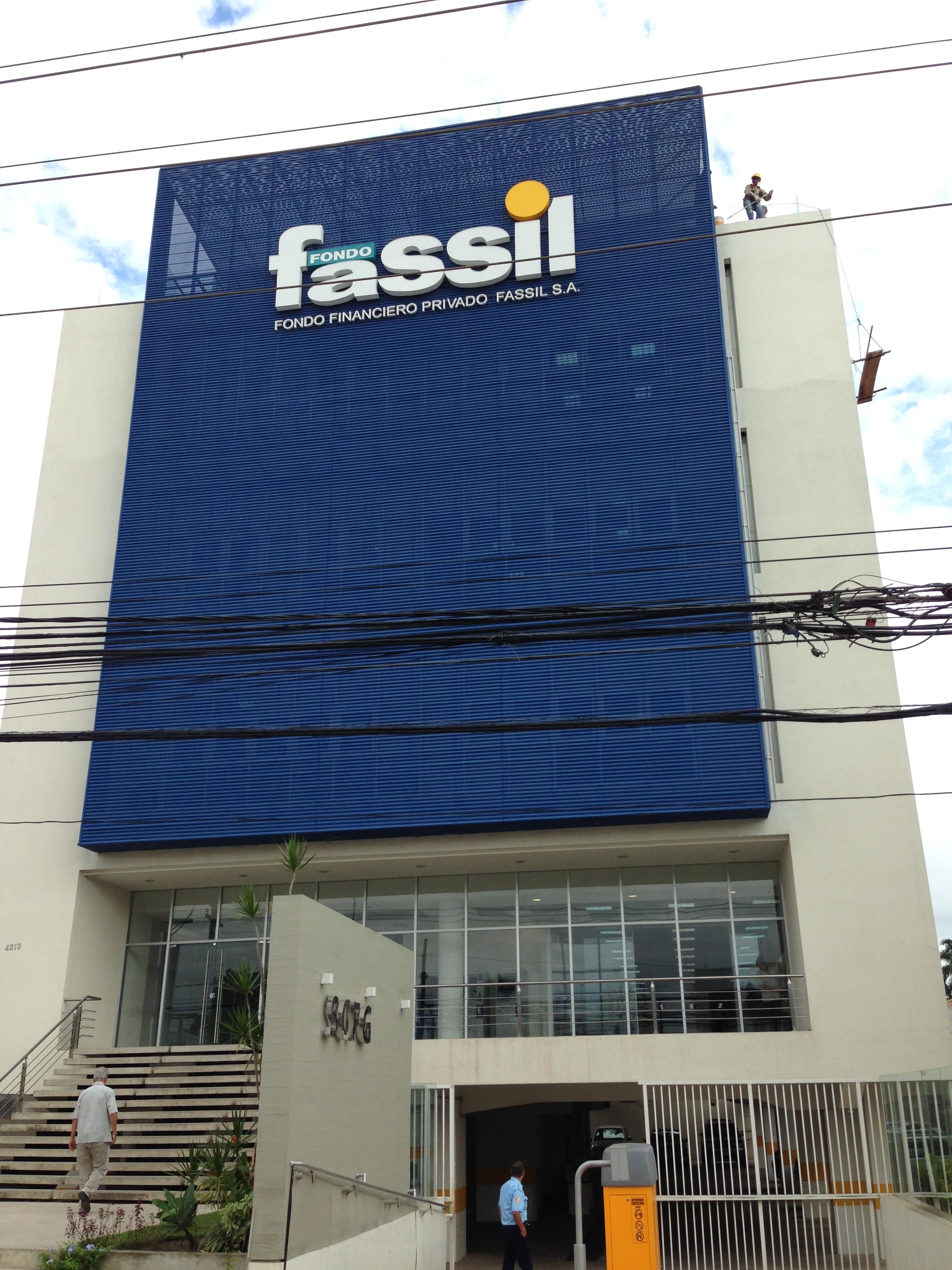 Sede central del Fondo Financiero Privado Fassil