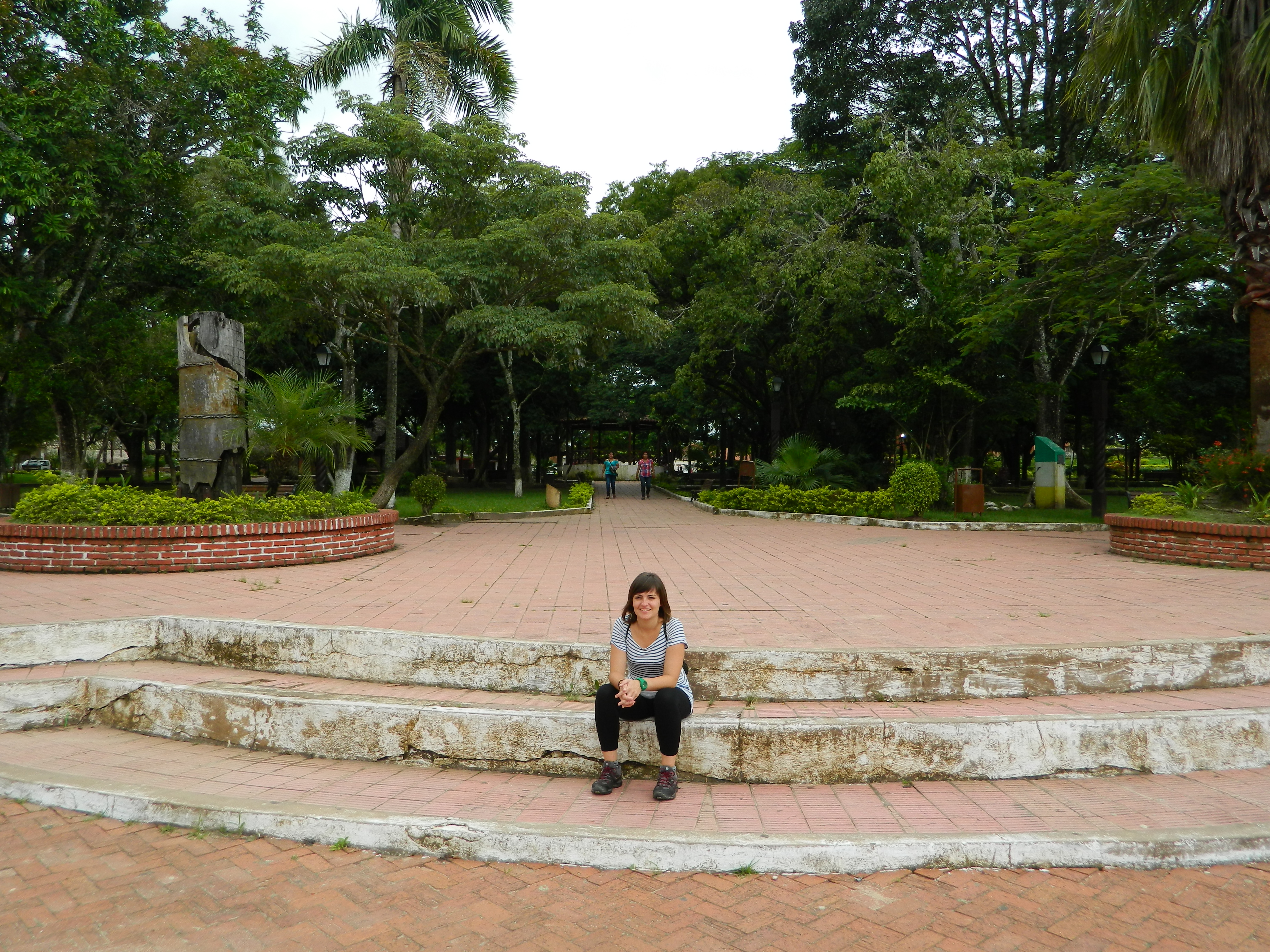 Ana a la entrada de la Plaza
