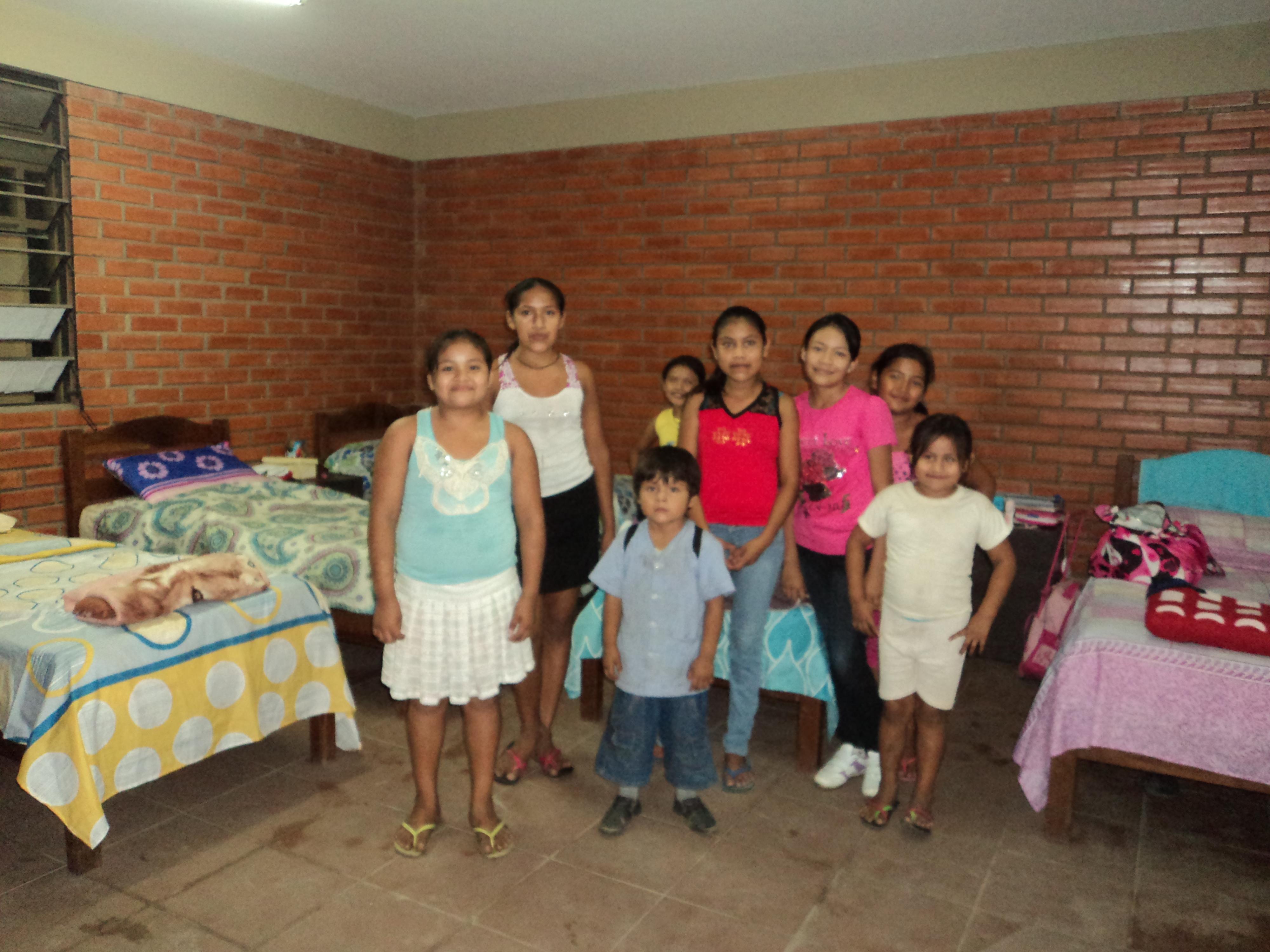Algunos de los niños y niñas del Centro de Montero
