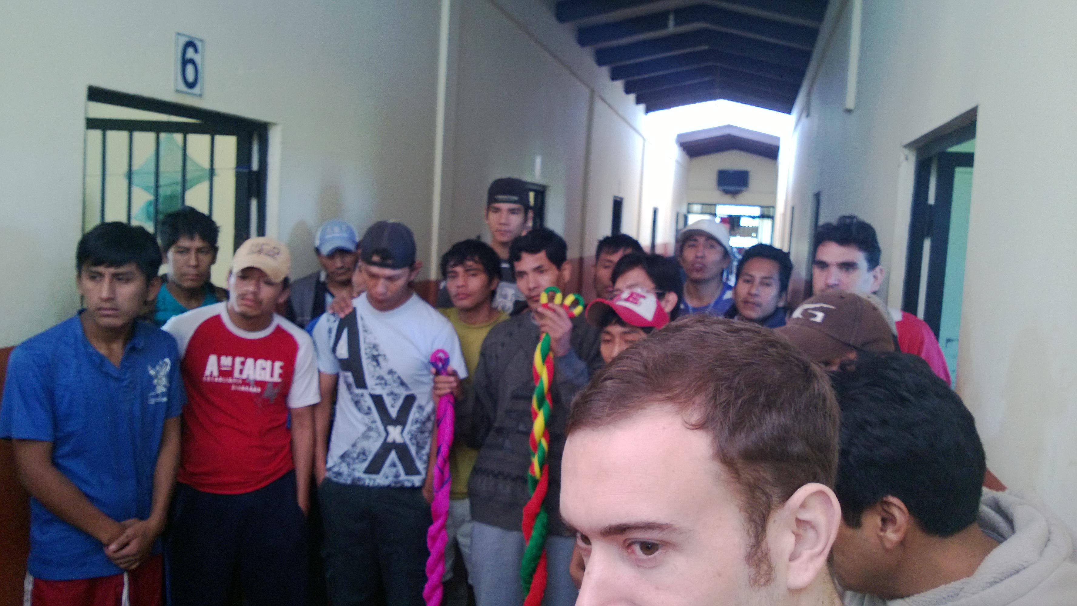 Algunos de los presos durante el acto