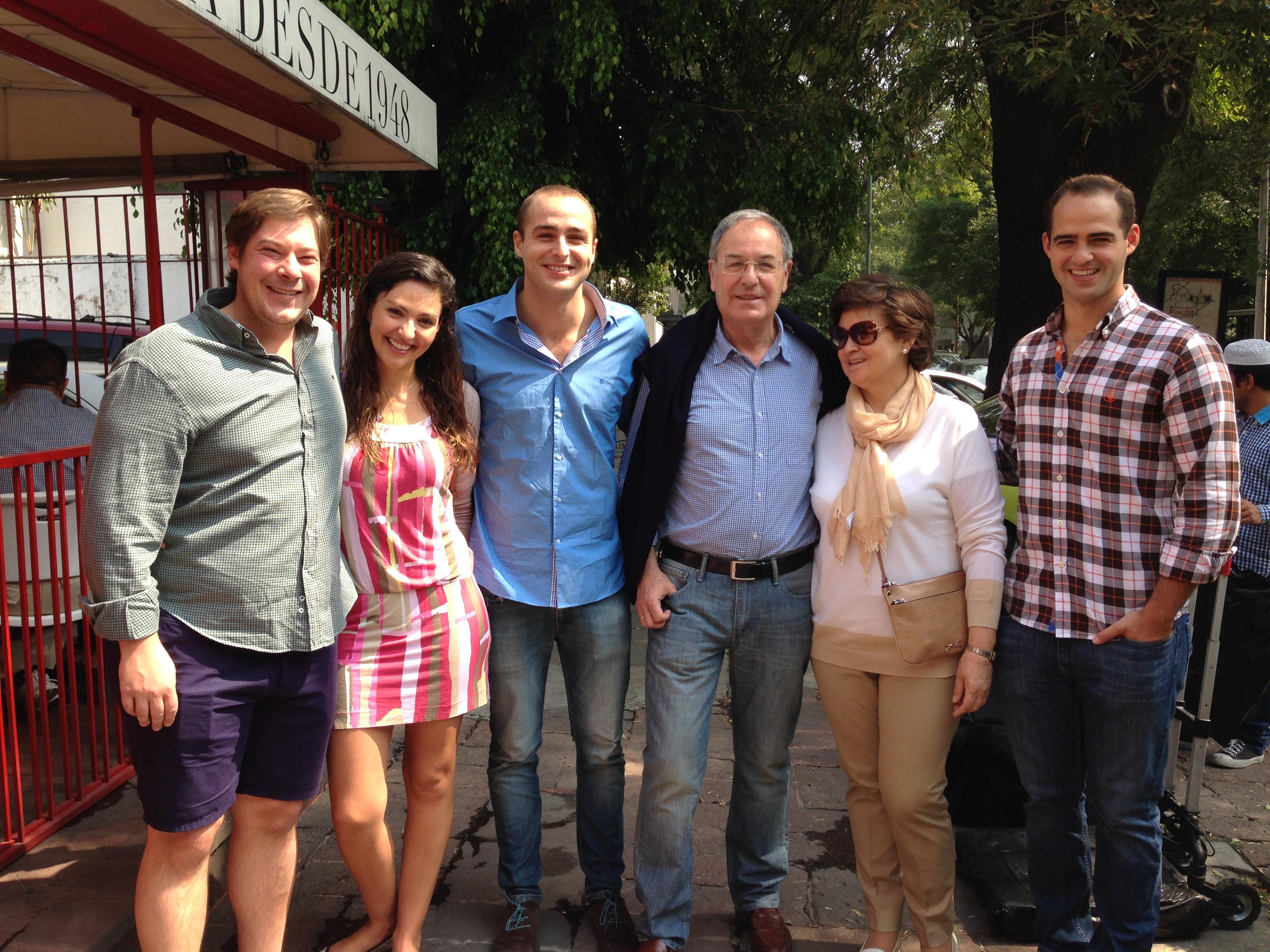 Mis Padres, Hermano y yo con Alvaro y Rebeca
