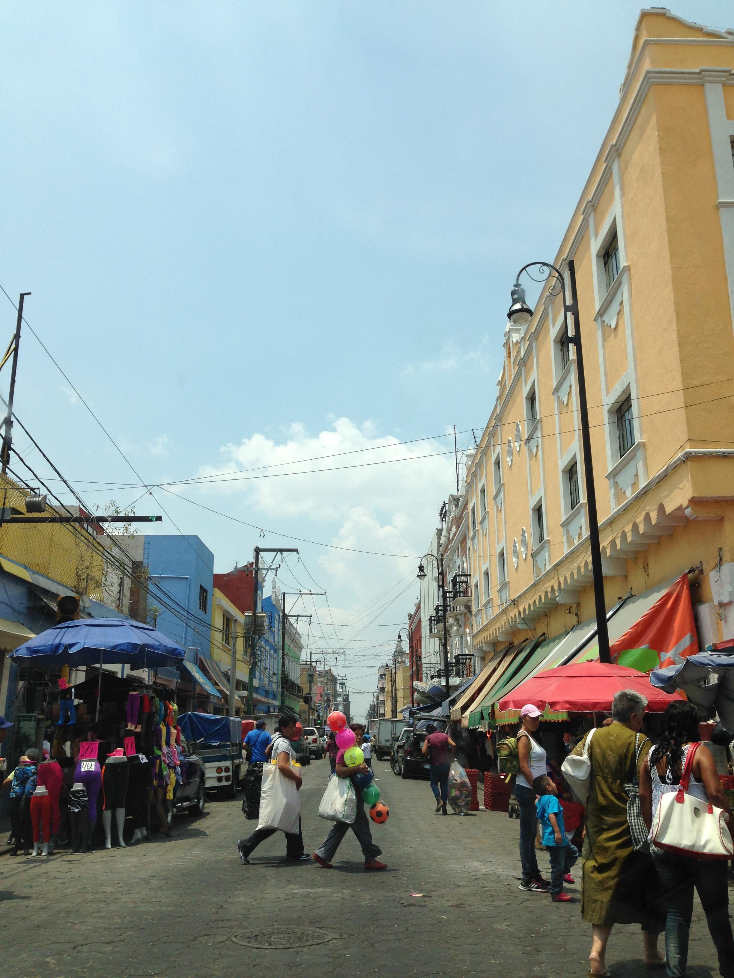 Una de las calles típicas de Puebla