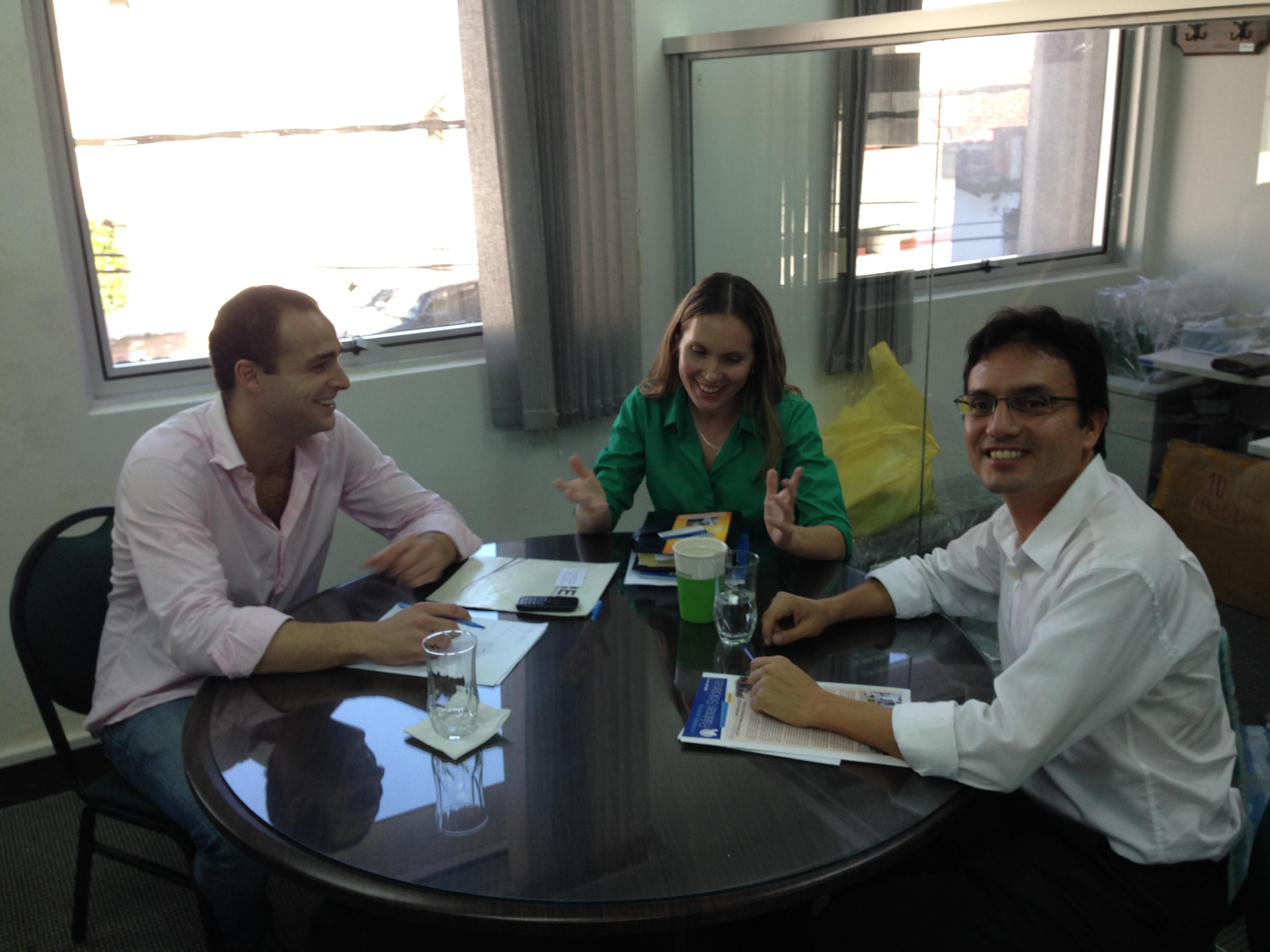Con Maria Reneé Hurtado (Jefe de Responsabilidad Social Empresarial) y Yuri Justiniano Ballón (Jefe de Control Comercial) de Banco Ganadero