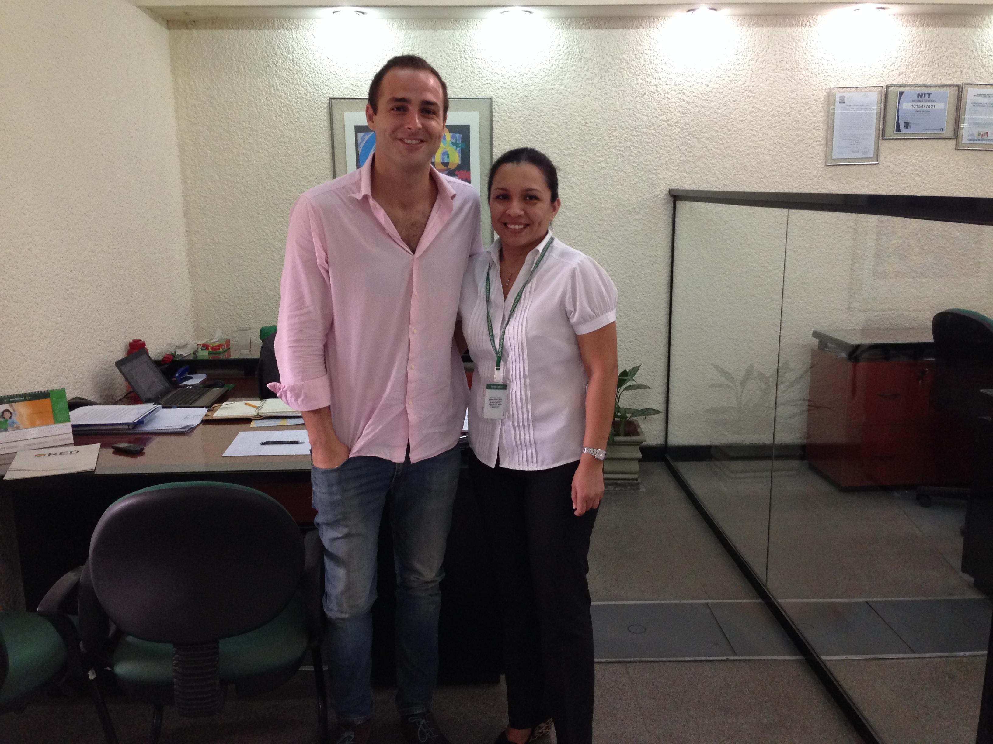 Con Alejandra Pacheco Vidal (Jefe de Captaciones y Servicios) de la Cooperativa Jesús Nazareno