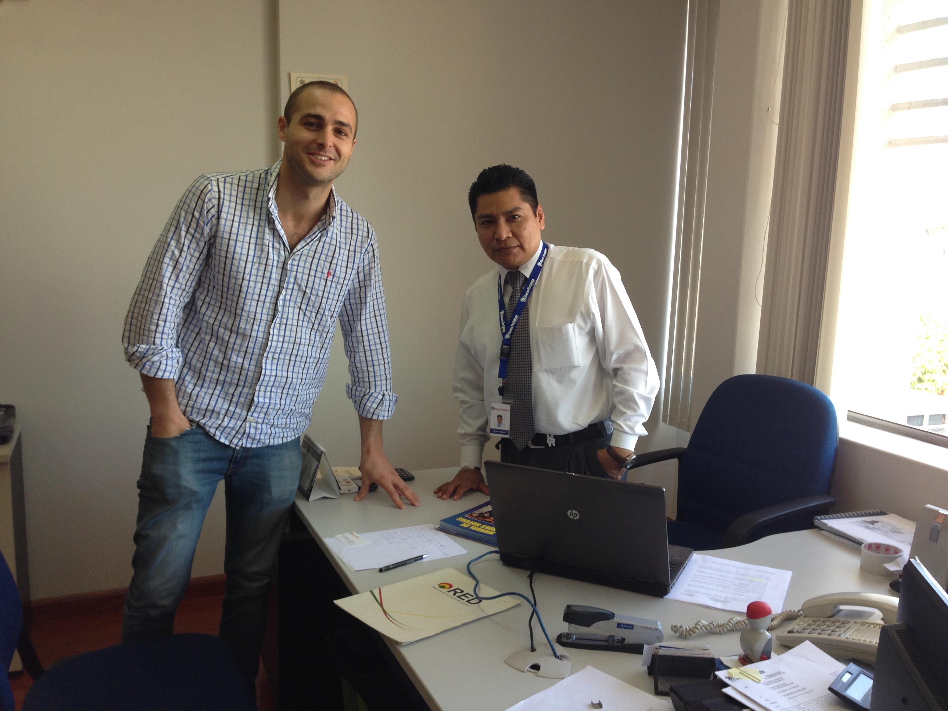 Con Germán Gallardo Rodríguez (Administrador Regional de Recursos Humanos) de Banco Fortaleza