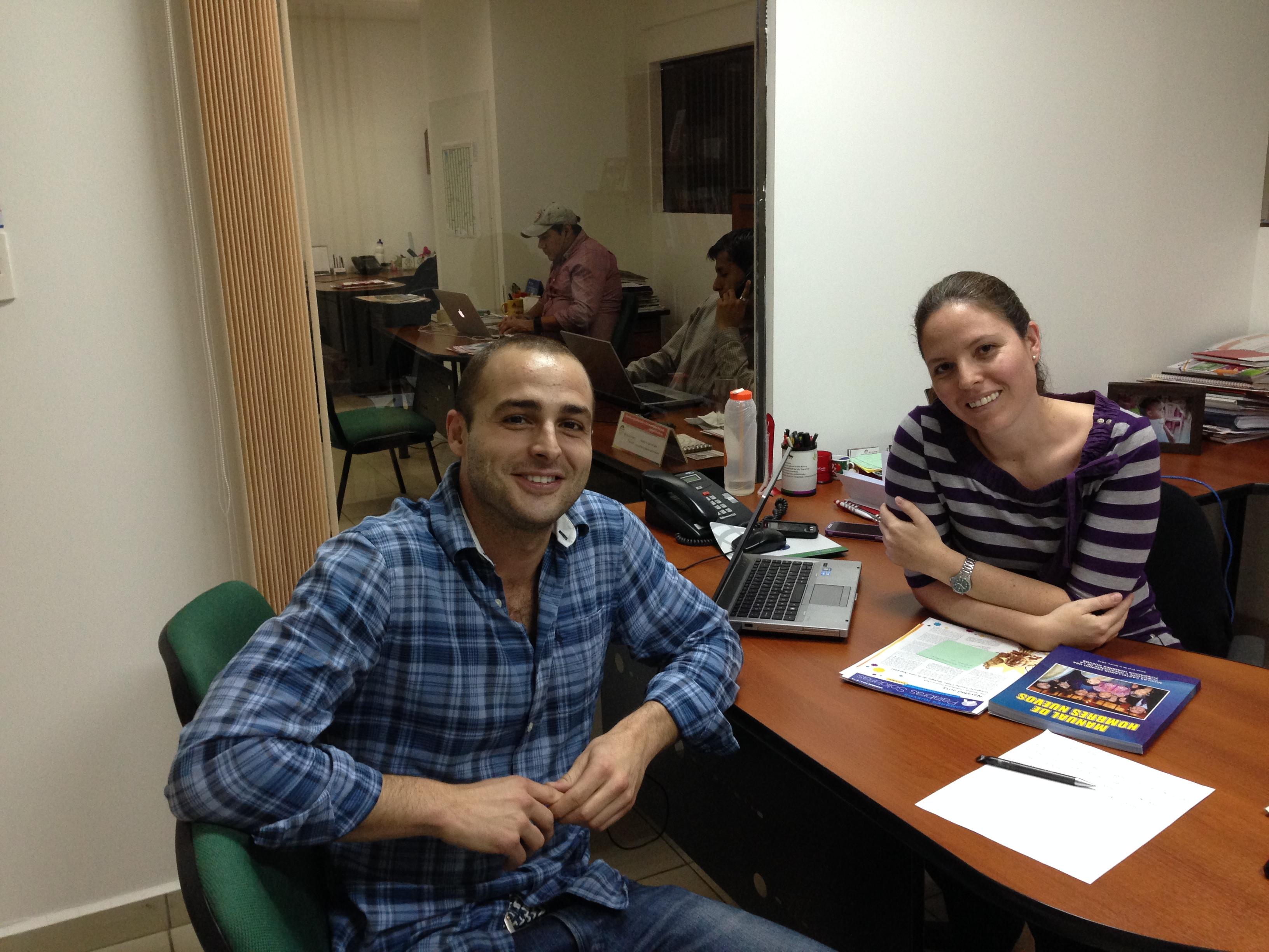 Con Pamela Fernanda Aimaretti San Martín (Jefe de Marketing) de Banco Los Andes ProCredit
