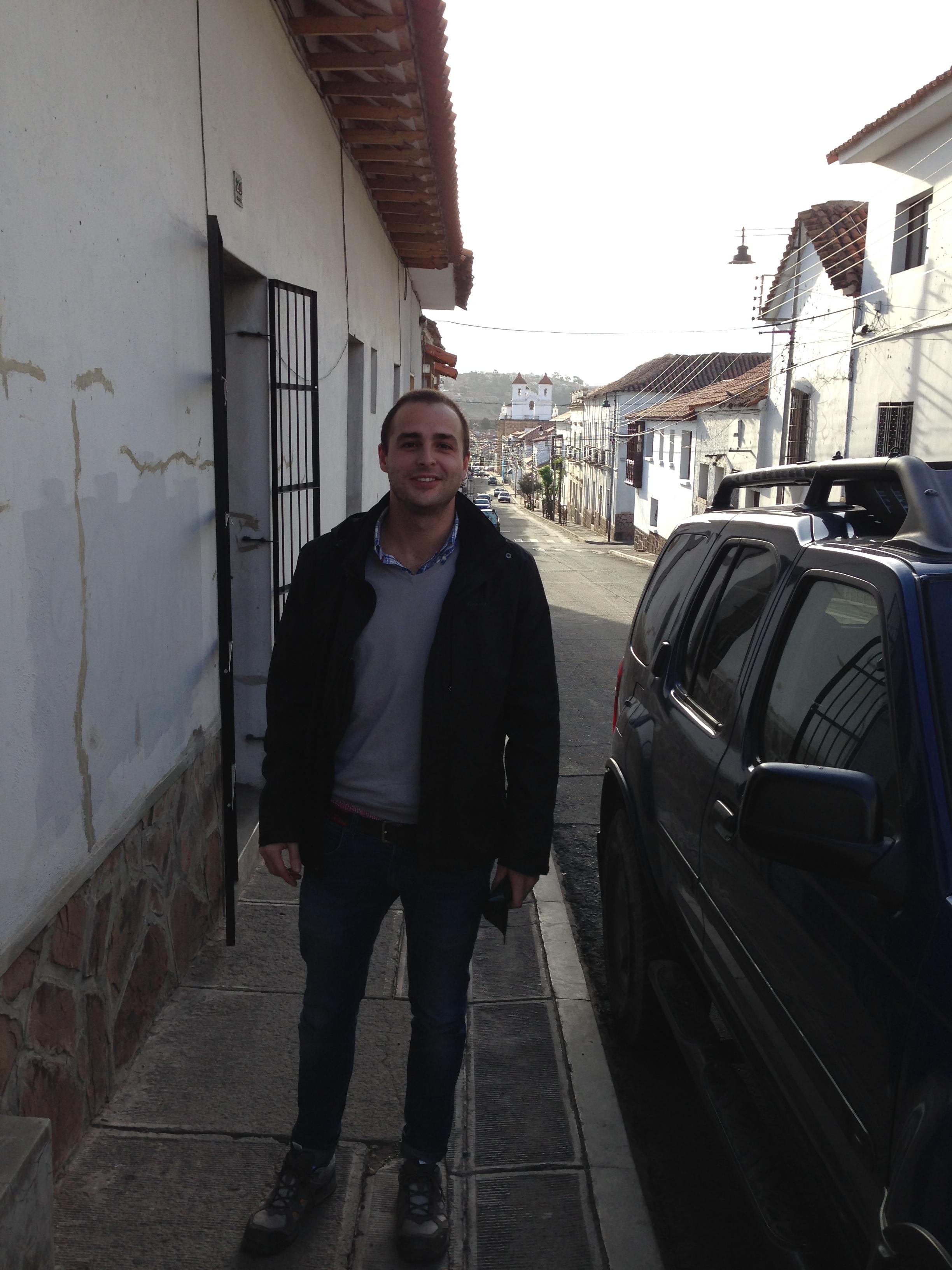 A mi entrada a la casa de D. Ramiro