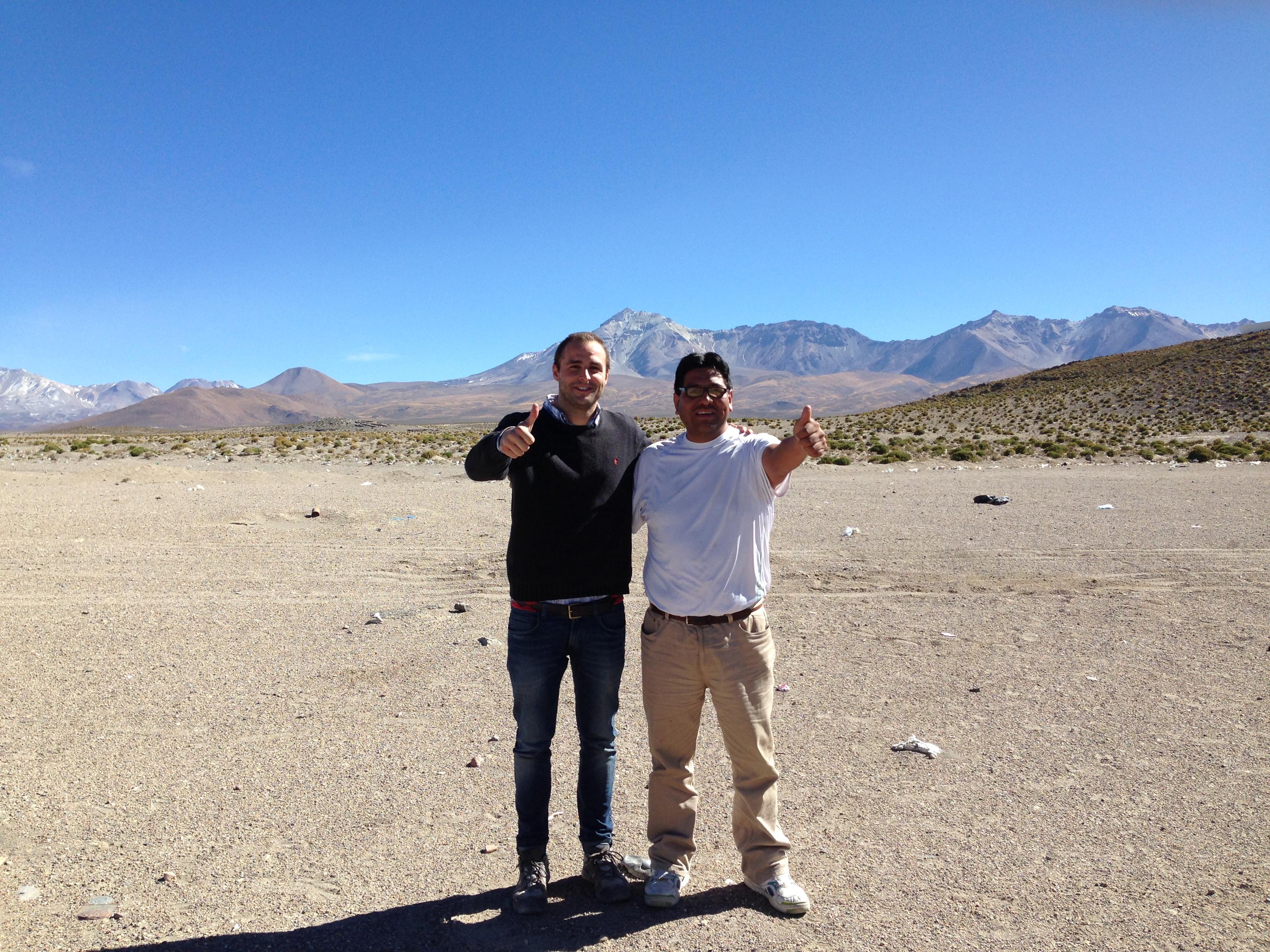 Con mi amigo Juan Carlos Challapa al que también conocí en la frontera