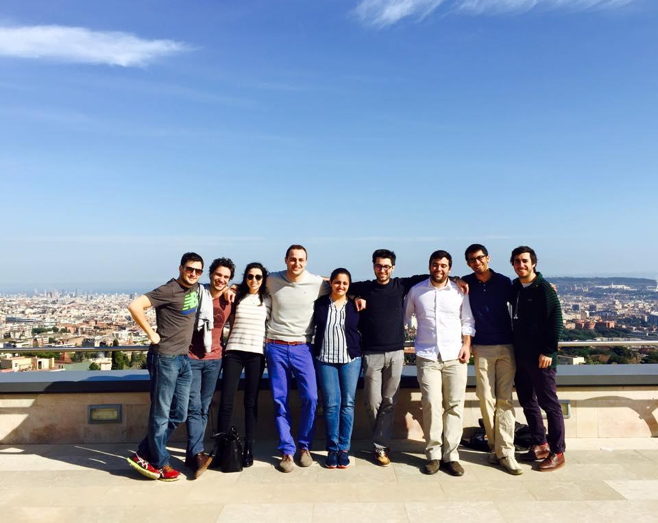 En una de las terrazas de IESE con algunos amigos
