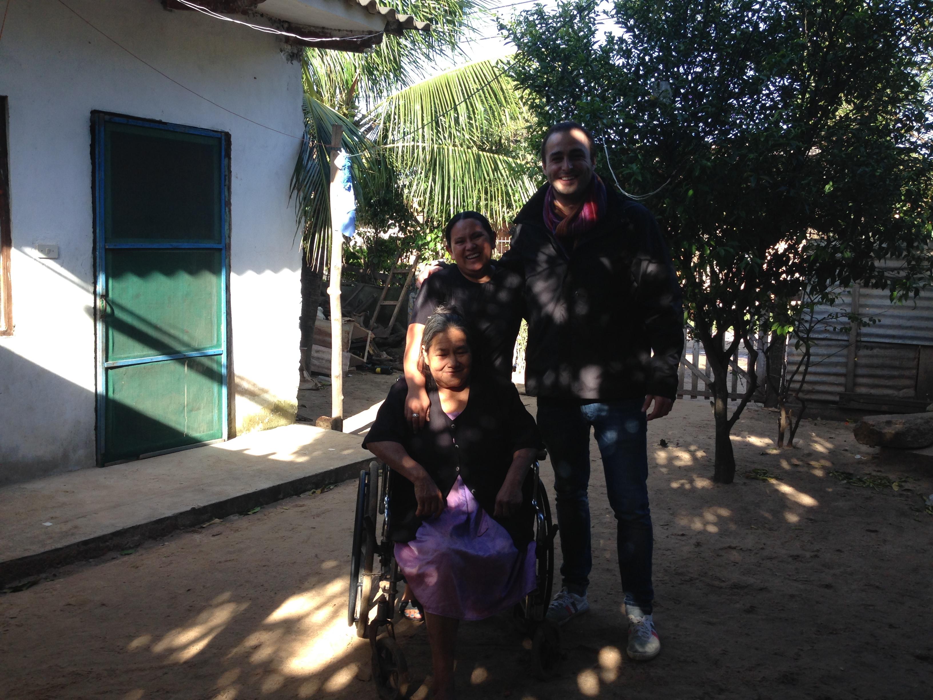 Con Marcela y su madre Dña. Marcela en su casa
