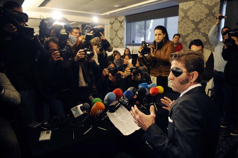 Rueda de prensa en Sevilla en la que anunciaba su vuelta a los ruedos